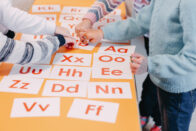 students-education-play-cards-with-pictures-english-numbers_93267-86